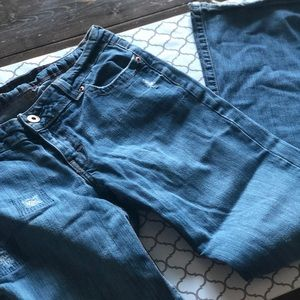 2/$22 🤑 AMERICAN EAGLE DISTRESSED JEANS
